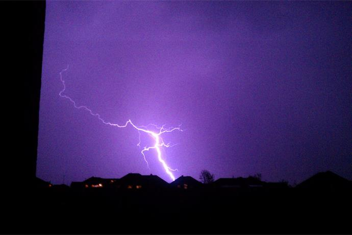 Today's Pic_ Lightning _2397604175145749559