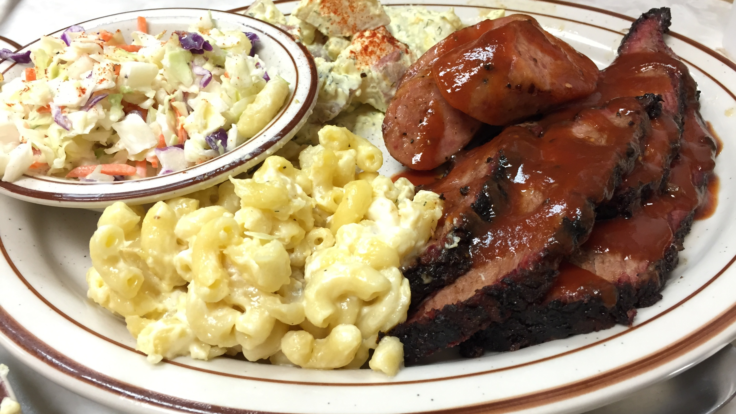 bbq barbecue barbeque food dinner lunch sausage brisket_1443653492844.jpg