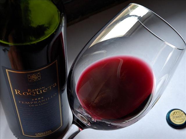 wine alcohol drinking_1446229171117.jpg