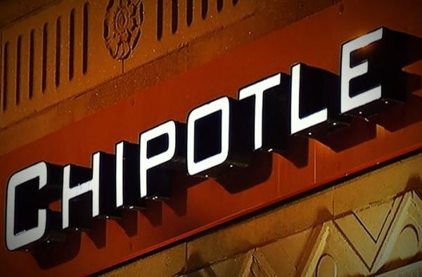 Chipotle Apologizes for Outbreaks