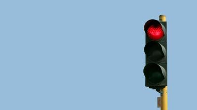Traffic-light--red-light-jpg_20160122165117-159532