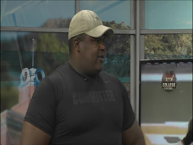 Laquan McGowan Stops by the Studio-_12016737-159532