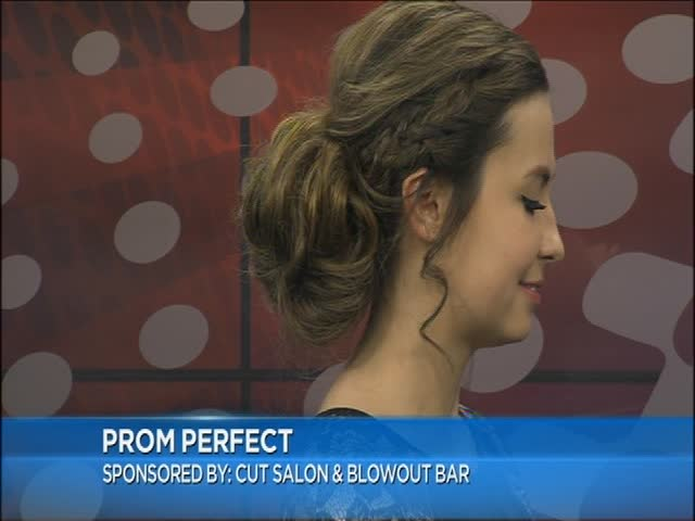Must Have Prom Hairstyles_97555812-159532