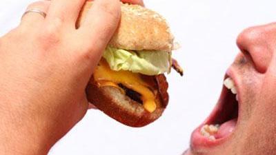 Eating-food-burger-hamburger-mouth-jpg_20160508084900-159532