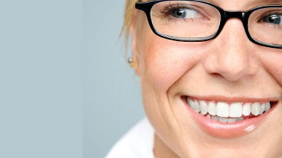 Happy-woman-with-glasses-jpg_20160323155603-159532