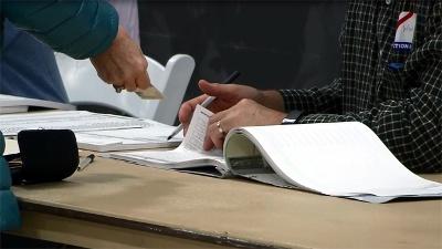 Voting-in-Kentucky-copy-jpg_20160517212914-159532