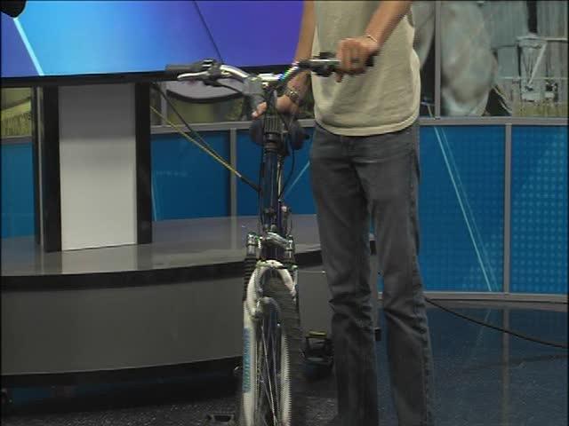 Amazing Backwards Bicycle-_65596471-159532