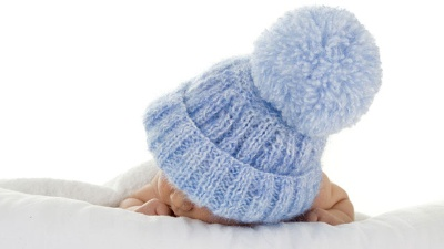 Baby-with-blue-knit-hat--infant-jpg_20160711150518-159532
