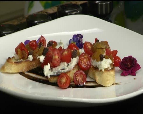 Chef Rocky-s Gorgonzola Raisin Bruschetta_79077004-159532