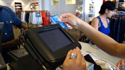Shopping--spending--credit-card-purchase-jpg_20160523201335-159532