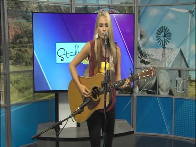 Bri Bagwell Live at the Tri-State Fair-_85915061-159532