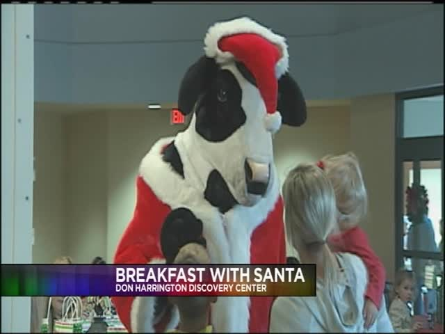 DHDC Breakfast With Santa_28625104-159532