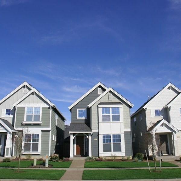 Neighbors--houses--homes-iStock-jpg_159638_ver1_20161214195837-159532
