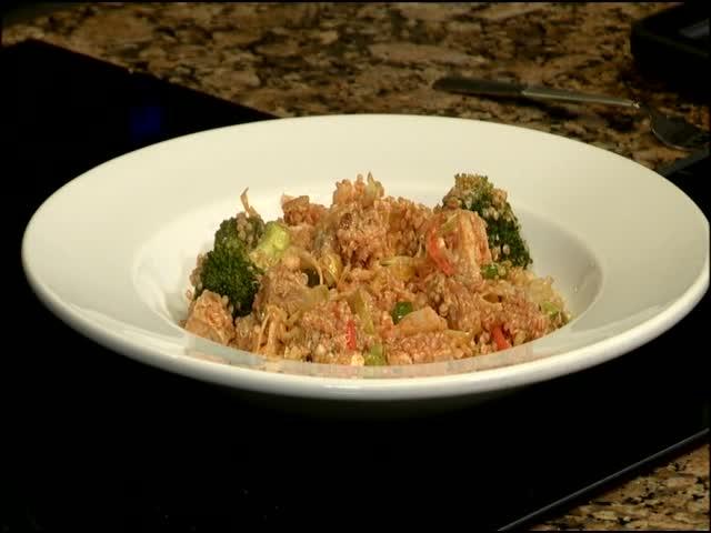 Buffalo Chicken Quinoa Salad_63281931