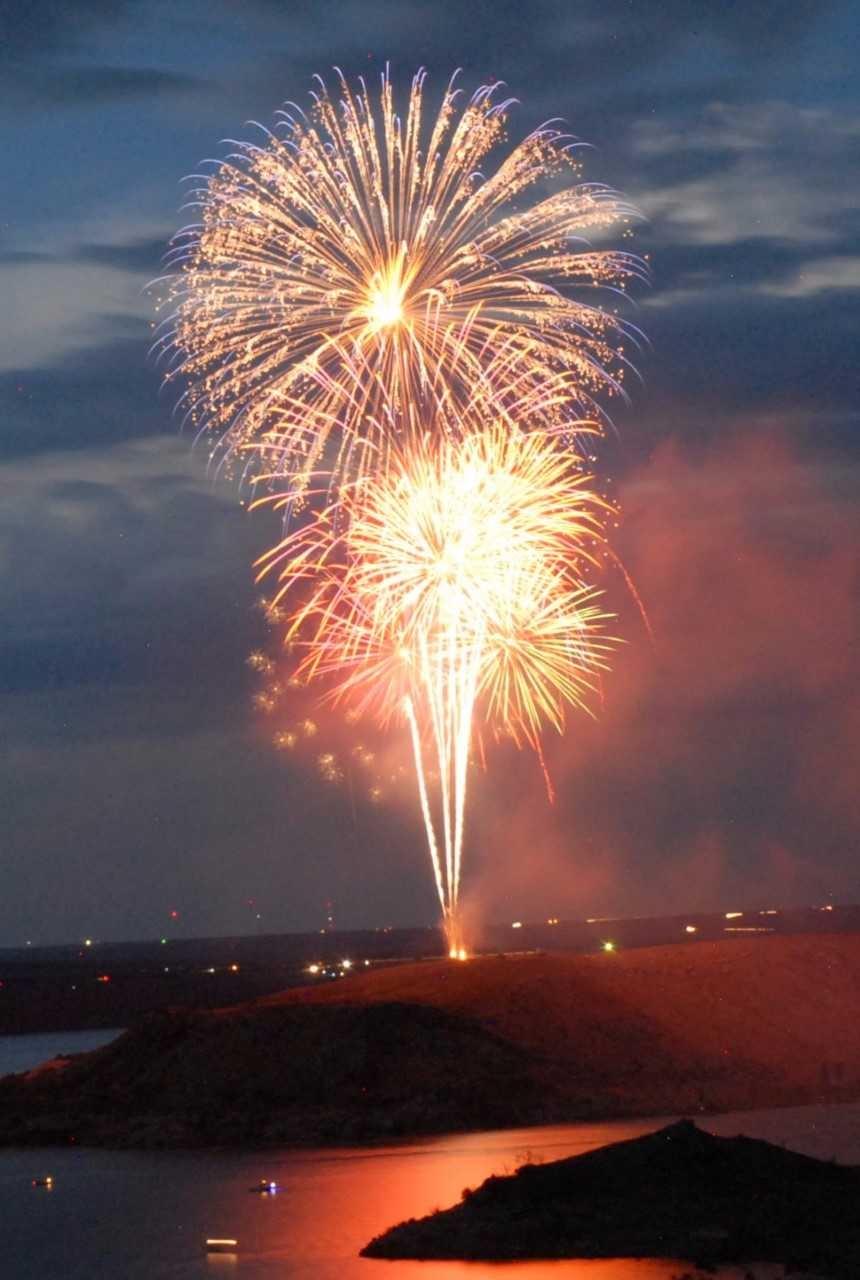 fireworks_1498581892462.jpg