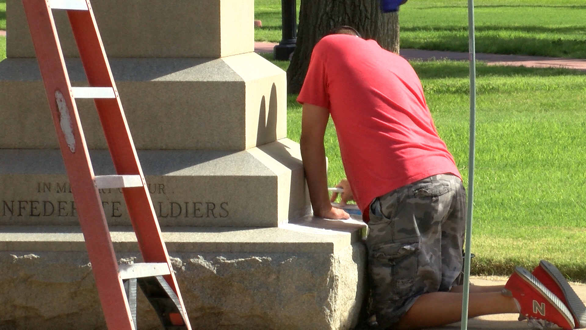 confederate statue cleaning_1503279229752.jpg