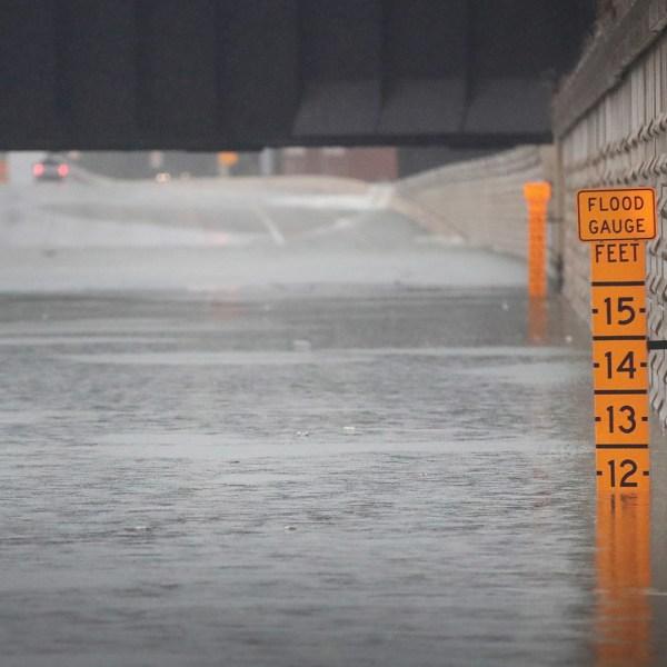 flooding gauge, Houston, Texas, Harvey69977278-159532