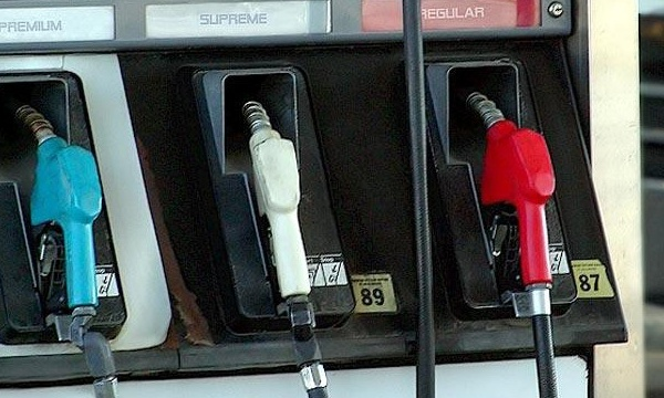 Gas pumps_14584235186951-159532