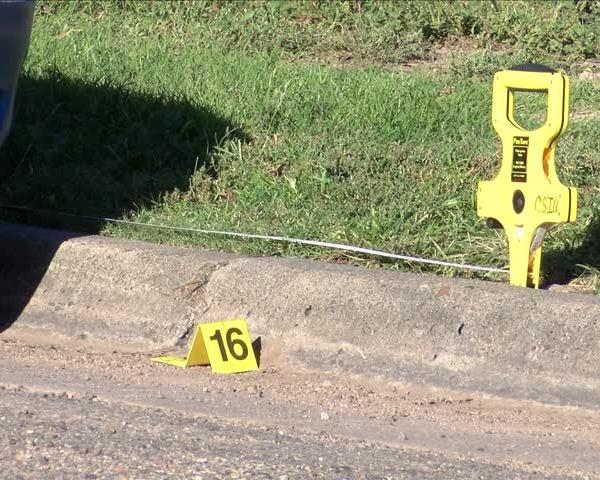APD Investigating Shooting at Benton Park_39871015