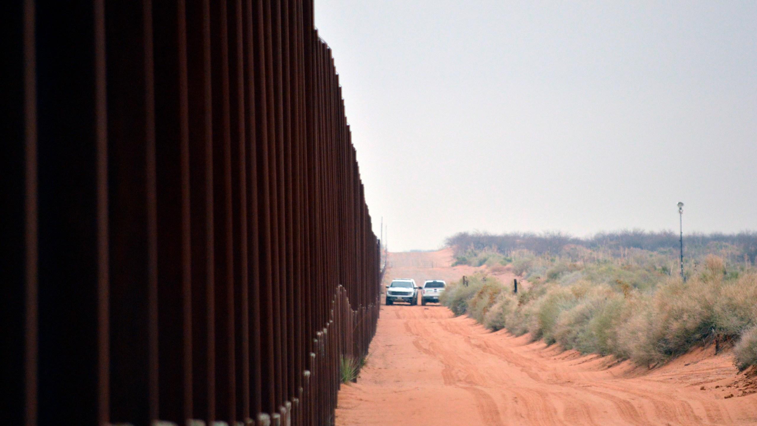 Border_Wall_51665-159532.jpg23164527
