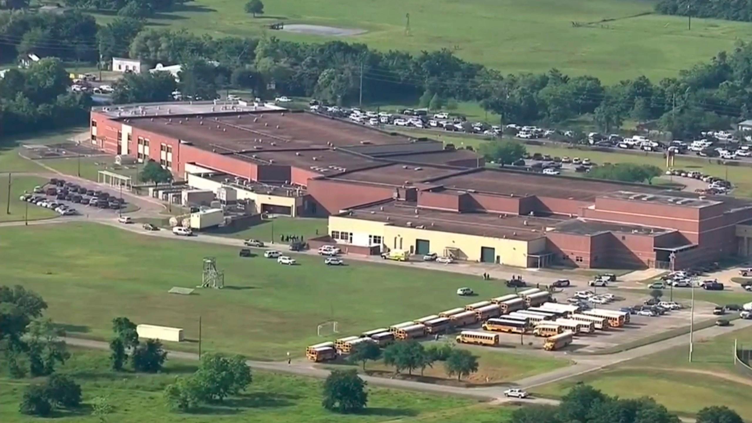 School_Shooting-Texas_98045-159532.jpg12846122