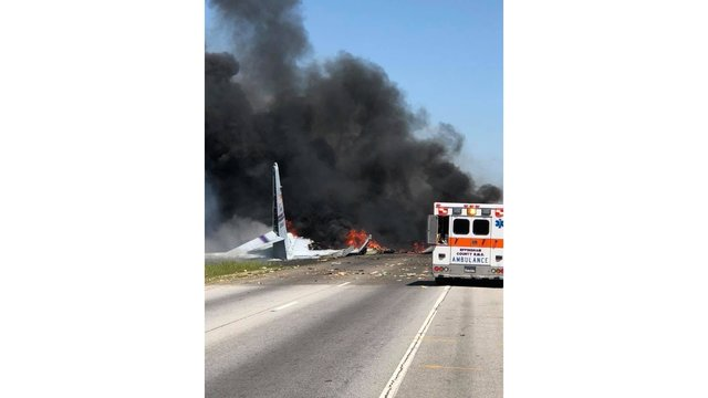 savannah fire pic of plane crash_1525276562879.jpg_41430735_ver1.0_640_360_1525277737647.jpg.jpg