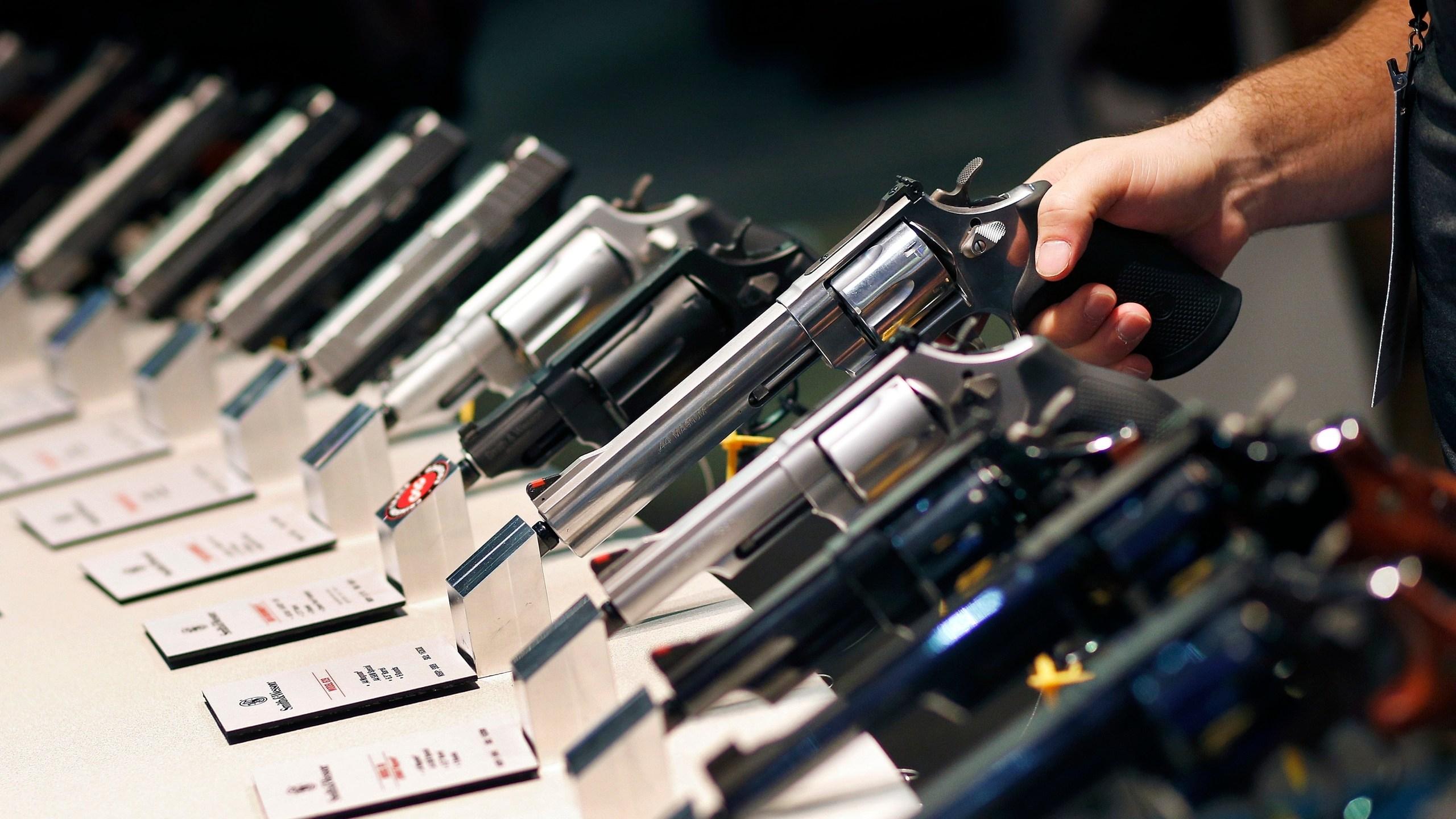 Gun_Industry_Tough_Times_26268-159532.jpg67926040