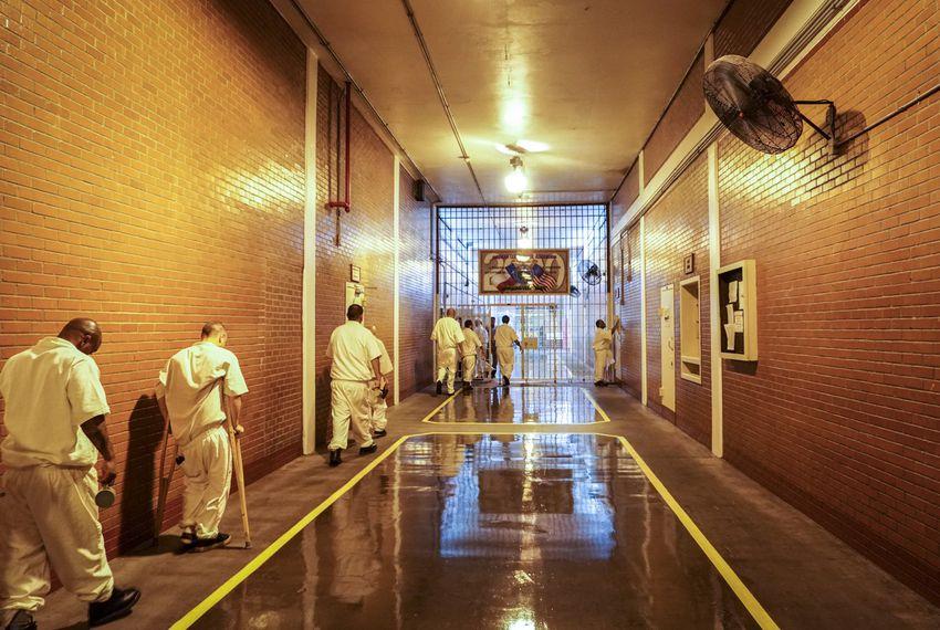PrisonFan_1547810659527.jpg