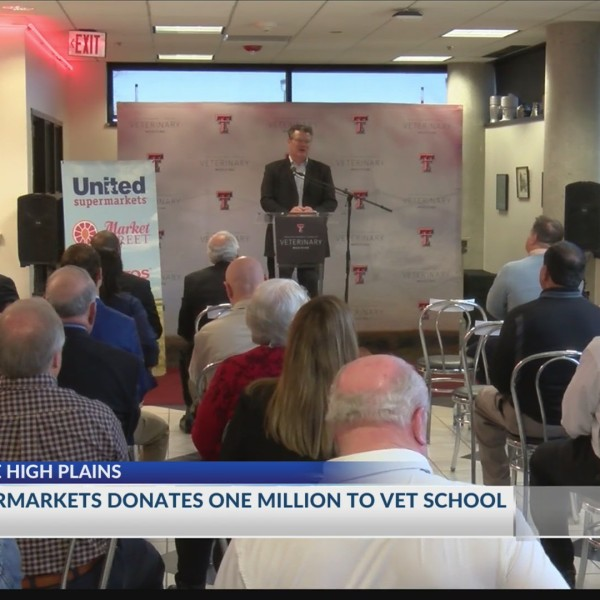 TTUHSC Gives Thanks to United Supermarkets for Vet Contribution