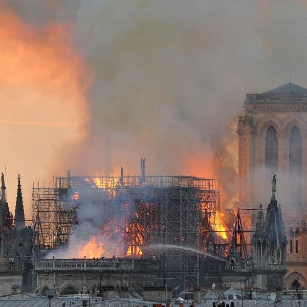 APTOPIX France Notre Dame Fire_1555448466059