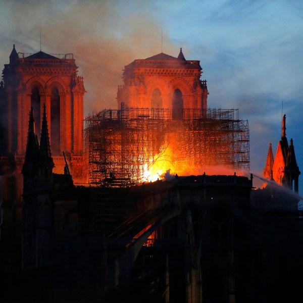 France_Notre_Dame_Fire_45794-159532.jpg44509139