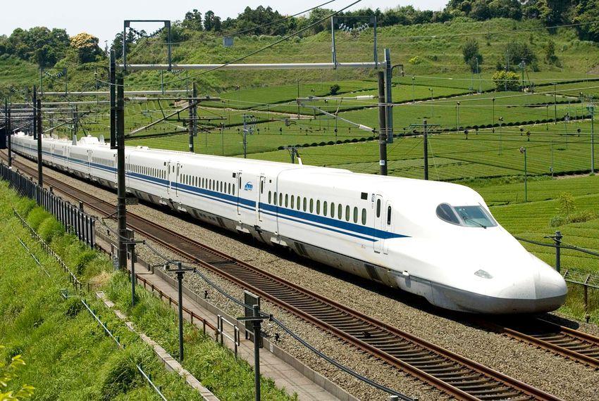 High_Speed_Rail_Train_1556187441786.jpg