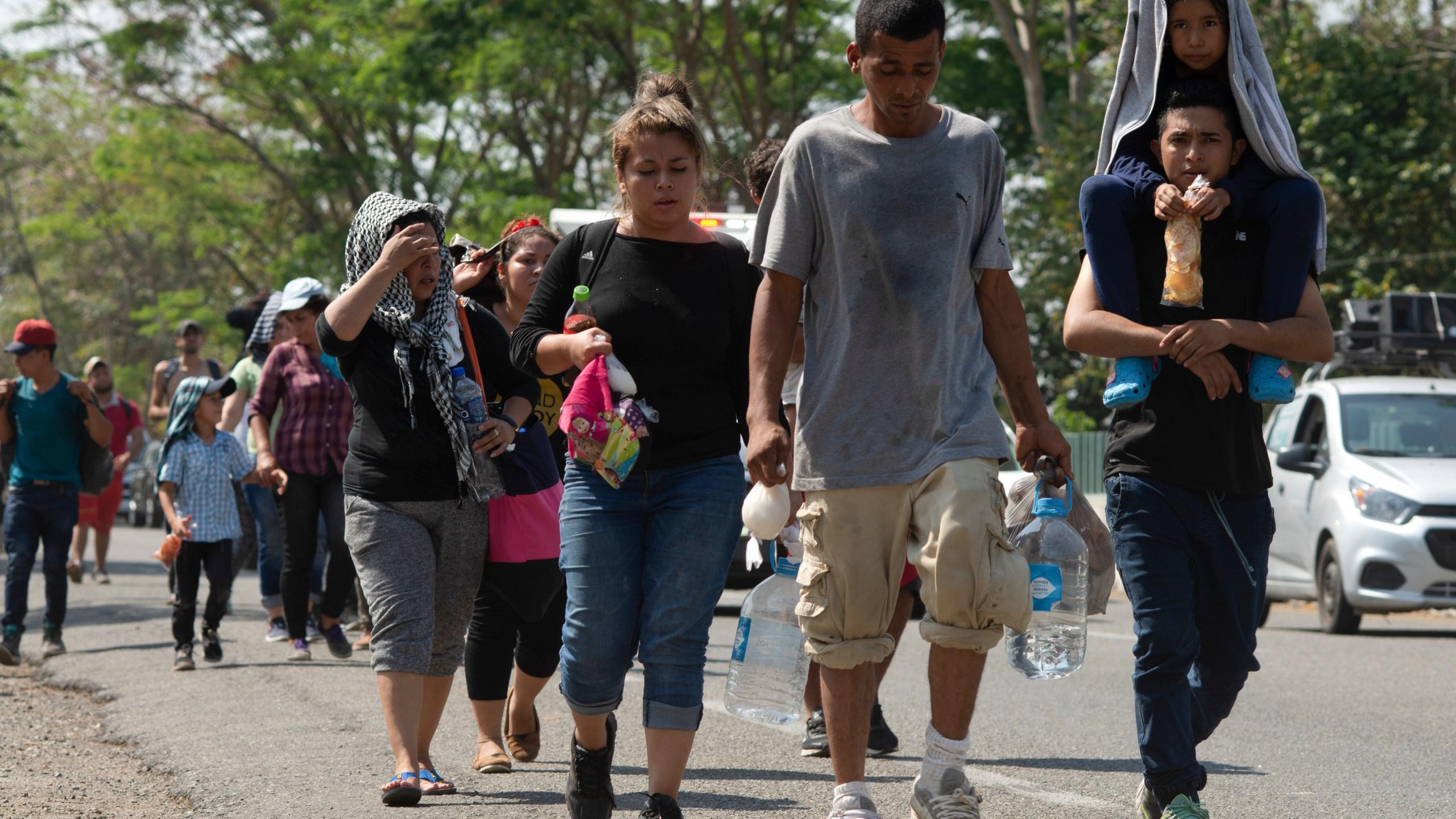 Mexico_Migrant_Caravan_58123-159532.jpg91190348