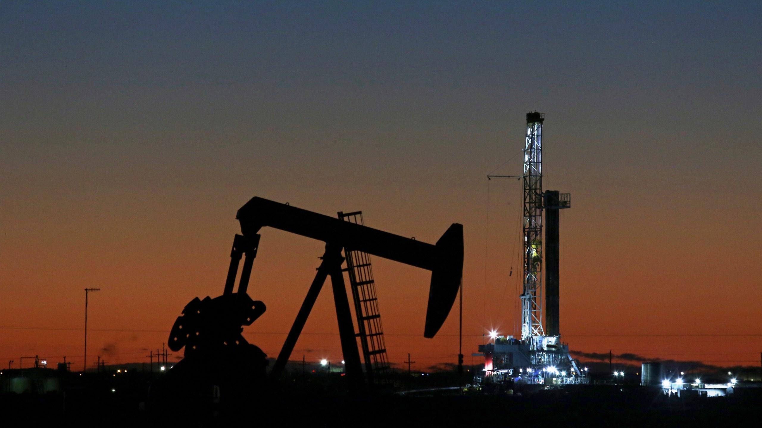 Air_Pollution_Oil_Drilling_Texas_00756-159532.jpg84938307