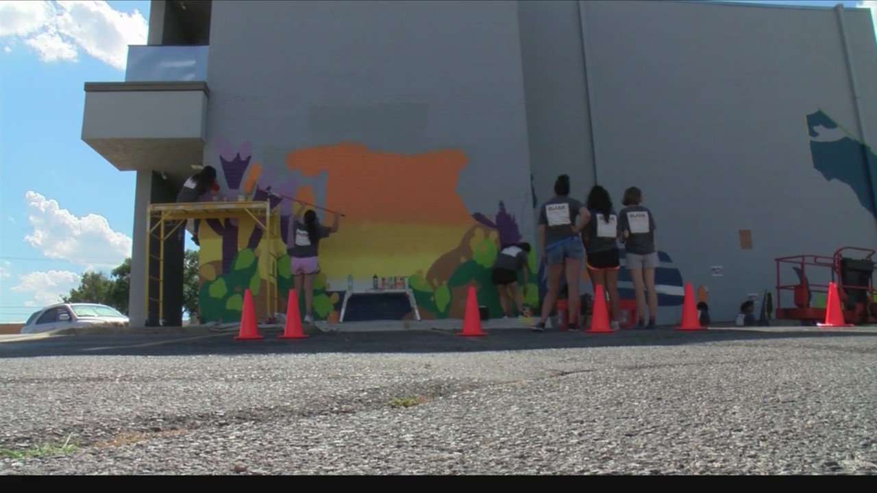 Blank Spaces Murals Brightening Up Amarillo Kamr