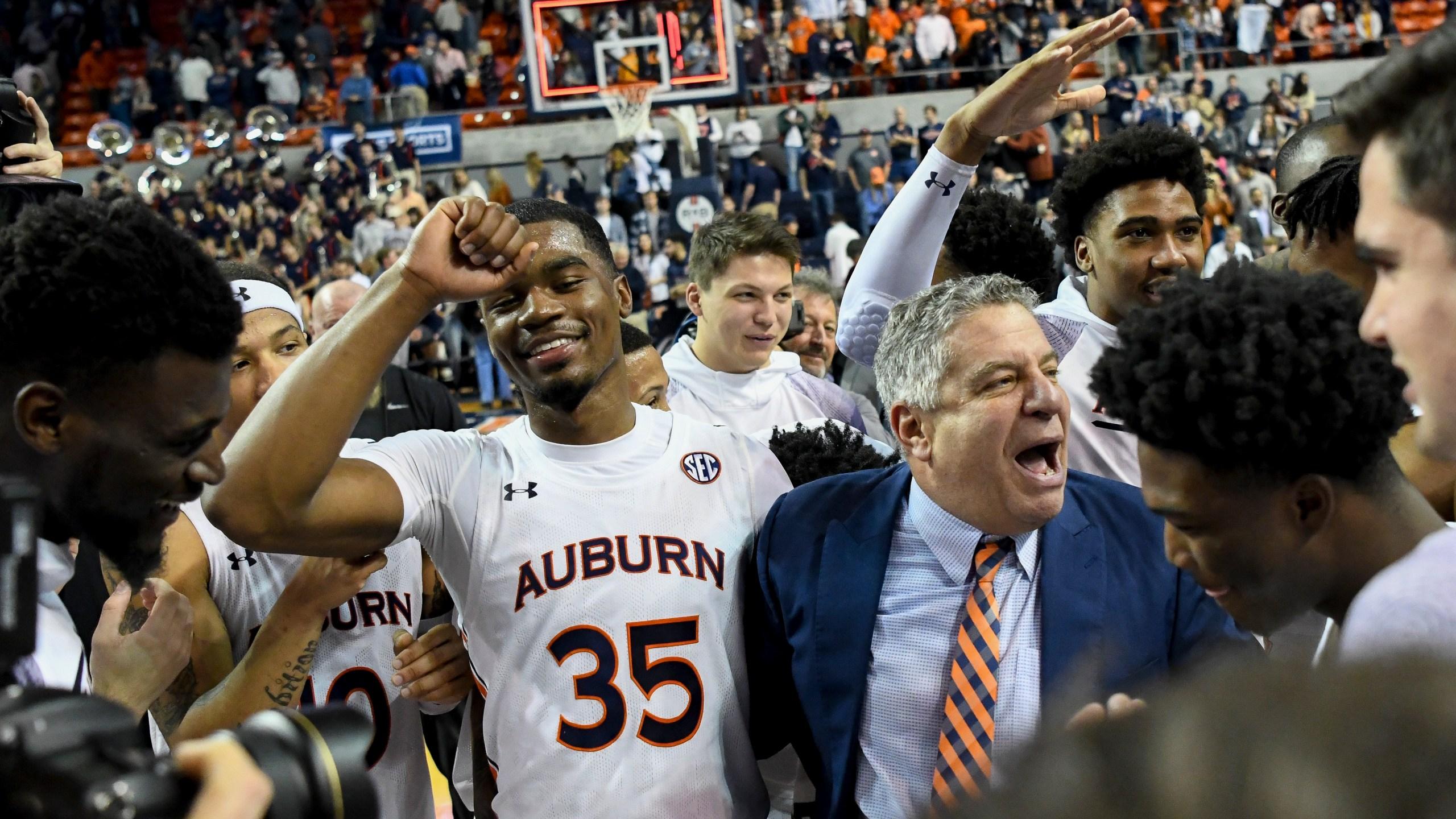 Auburn Rallies Past Vols Fan Tossed For Derogatory