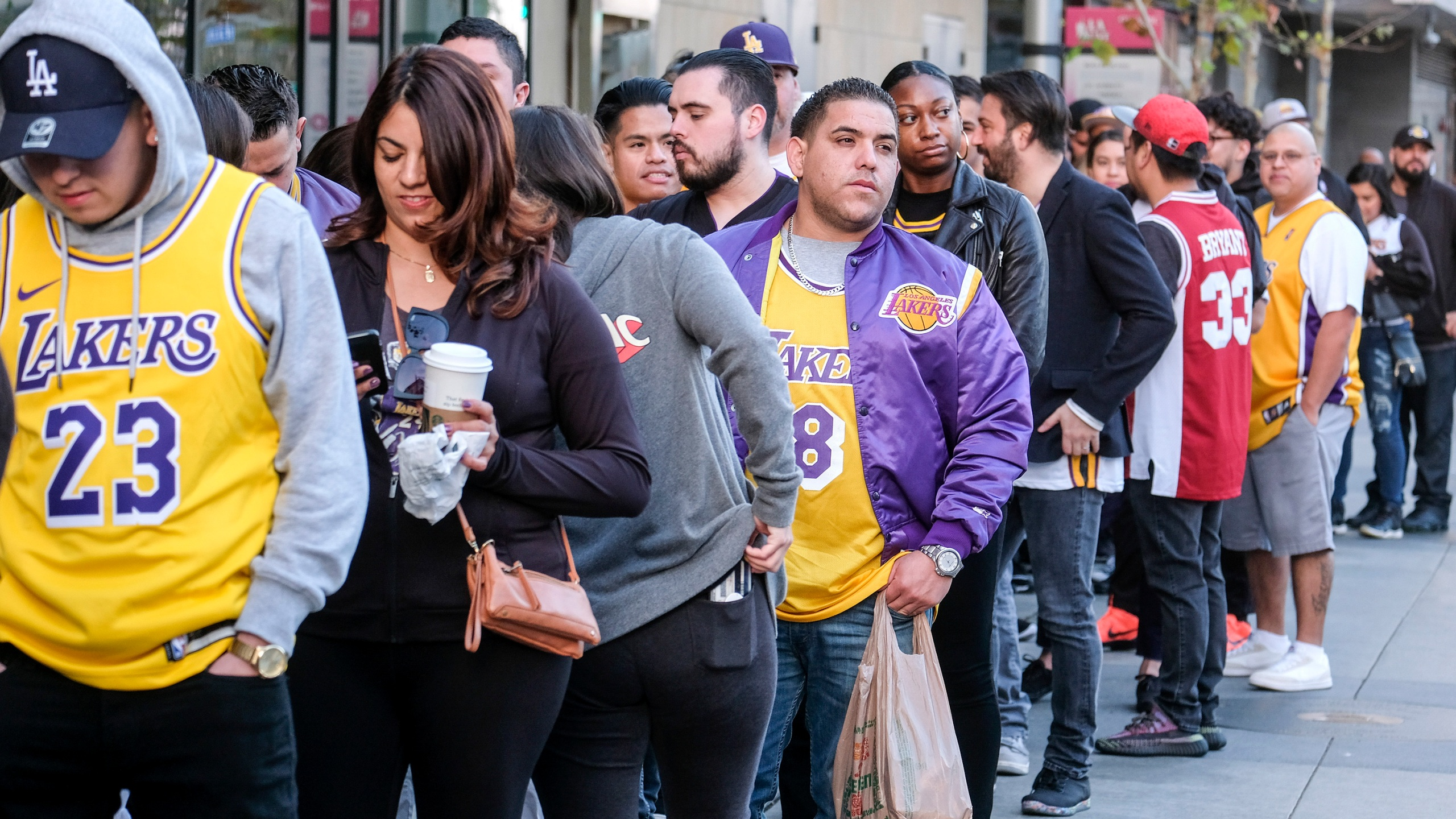 The Latest Fans Gather For Kobe Bryant S Public Memorial