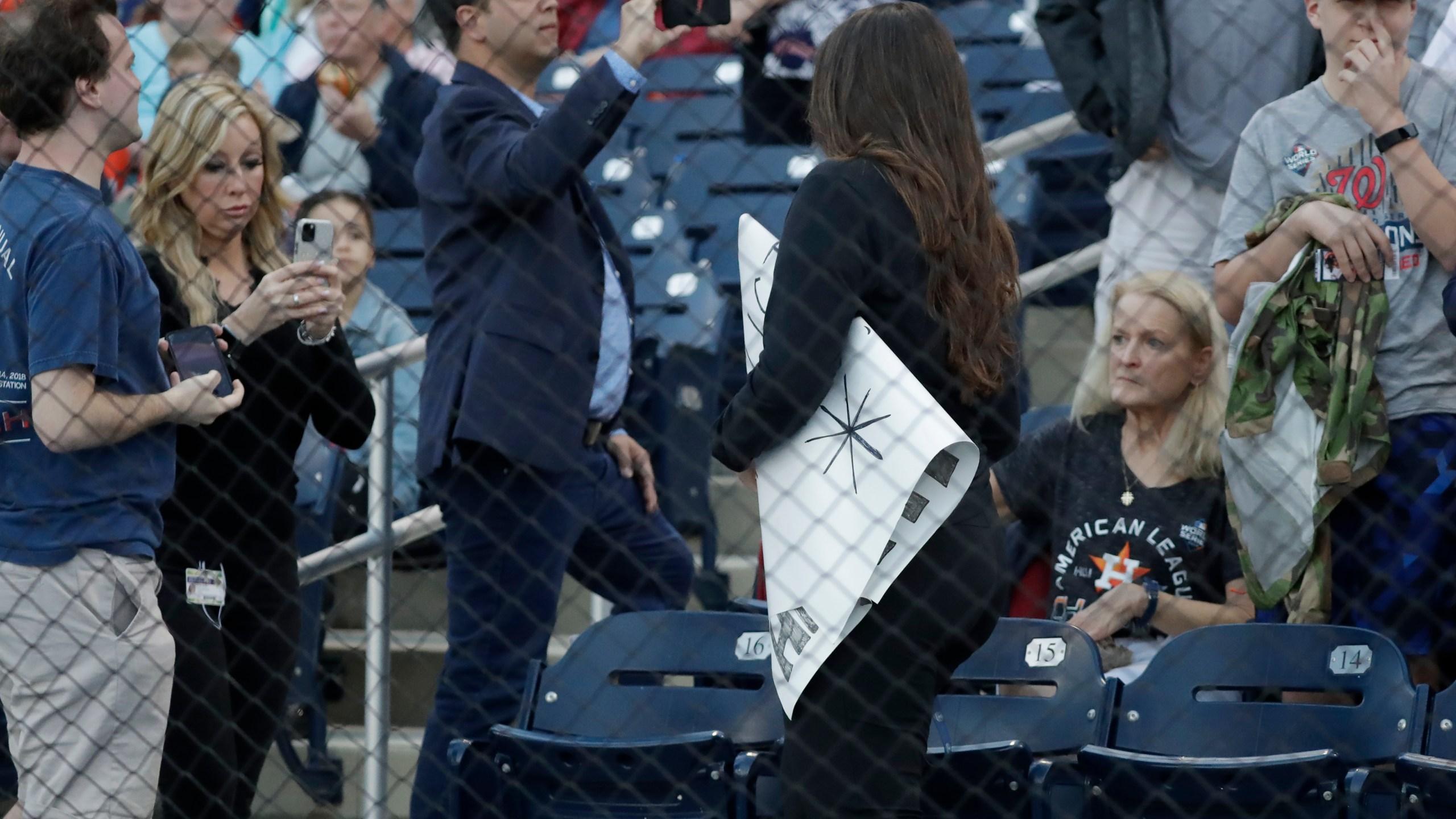 Fans Heckling Astros Spring Opener Get Signs Stolen Kamr